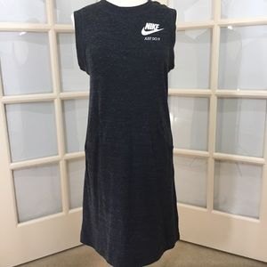NIKE Organic Cotton/ Charcoal /Pocket Dress Size M